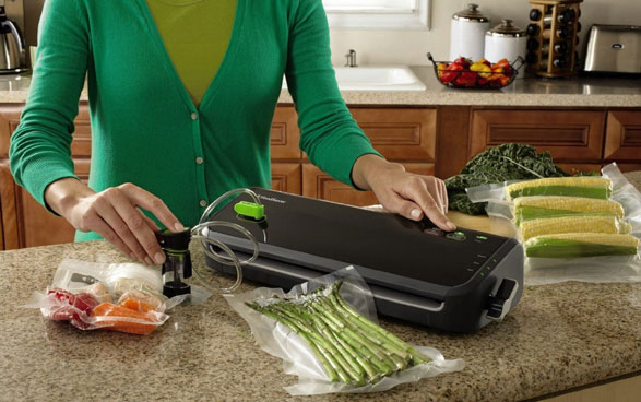 FoodSaver FM-2000 Vacuum Sealing System – keeps your food fresh for almost … forever