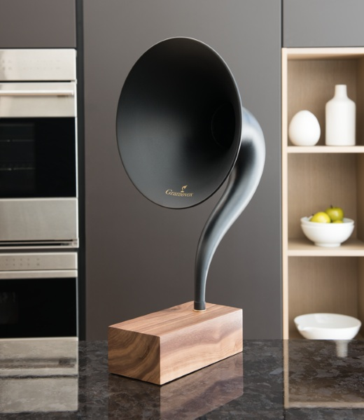 Gramovox Bluetooth Gramophone – when you want to be vintage but all your music is in MP3 format