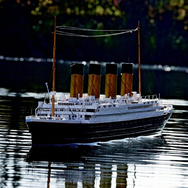 Remote Controlled Titanic Boat – rewrite history by bringing the Titanic back home