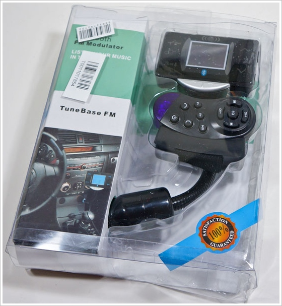 TuneBase FM – wireless transmitter lets you beam your music easily from phone to car [Review]