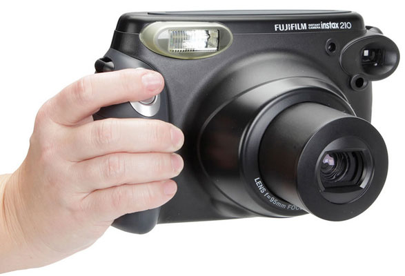 Fujifilm Instax 210 – shoot and print camera brings instant gratification