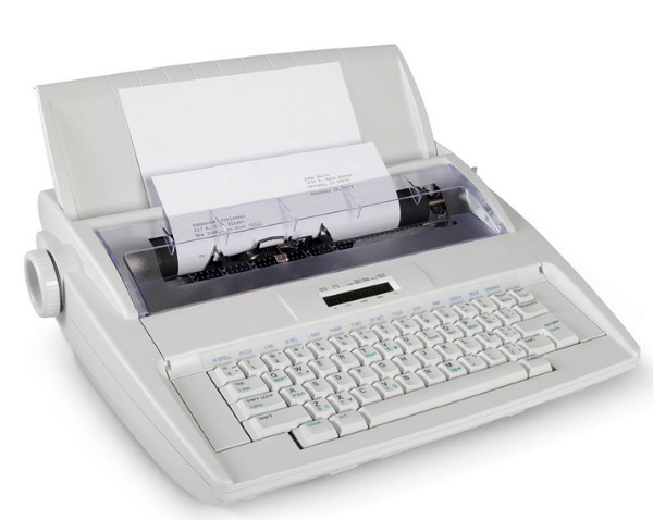 Typo Preventing Electronic Typewriter – old style typing with new world convenience