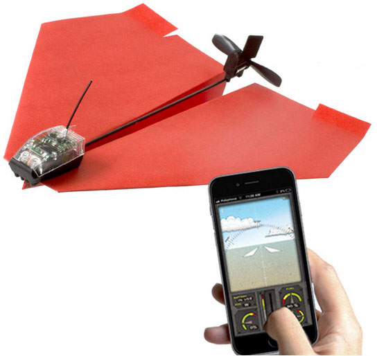 PowerUp 3.0 – smartphone controlled paper airplane gets a pilot upgrade [Review]
