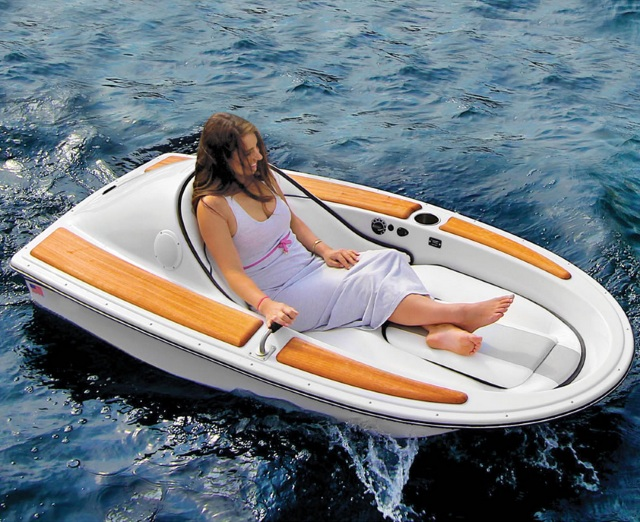 One-Person Electric Watercraft – for enjoying the lake by yourself