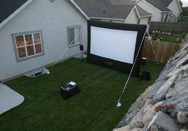 Gemmy Airblown Movie Screen – bring the big screen to your backyard
