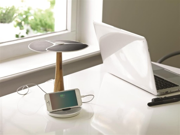 Ginkgo Solar Tree – charge your phone with clean, green energy