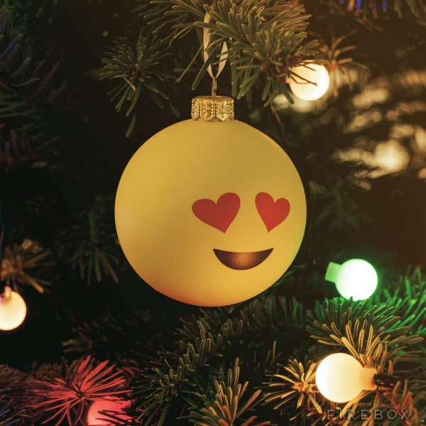 Emoji Baubles heart