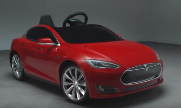 Tesla Model S for Kids – let your little ones start summer with a sweet ride