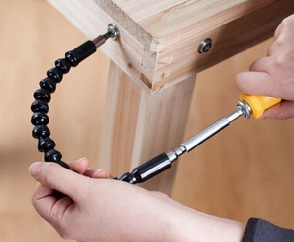 Flexible Screwdriver – get all those hard to reach places without breaking your back