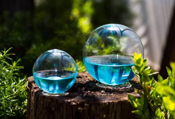 Dino Sphere – this magical ball runs on sunlight and water