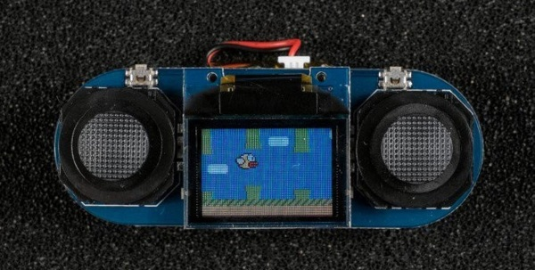 TinyScreen Video Kit – everything you need to play a really tiny, handheld games