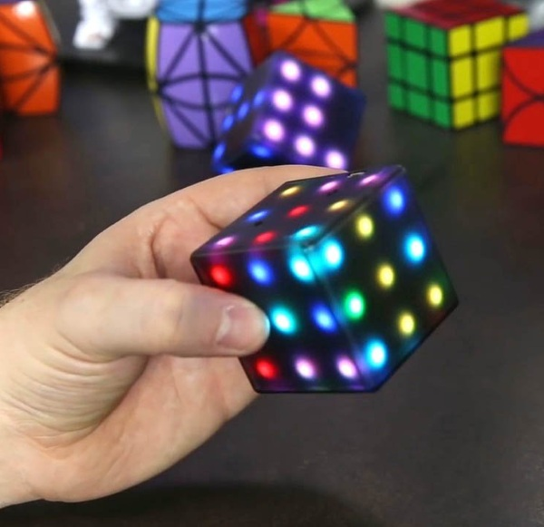 Futuro Cube – take your cube puzzle to the next level