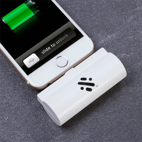 Mini Emergency Charger – Check Out This Lifesaver for iPhone! [REVIEW]