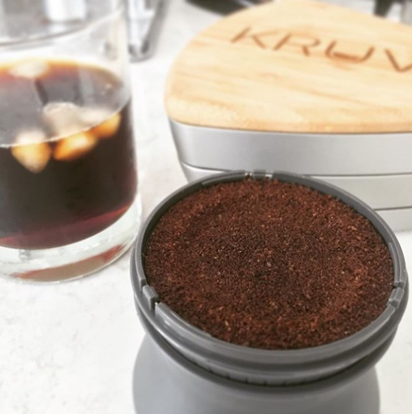 KRUVE Sifter – make your cup of coffee better with his simple tool
