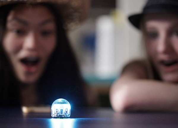 Ozobot Evo – this cute little bot will introduce you to programming