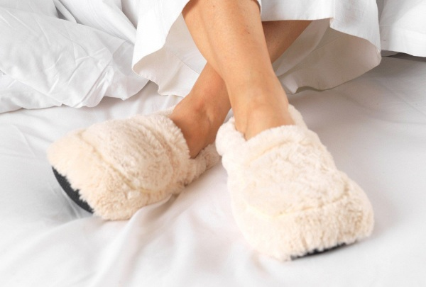Cozy Body Slippers – the slippers you heat up