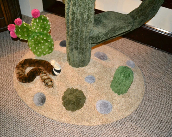 Cosy Cactus Cat Tree – a soft cactus tree for cat is what love is all about