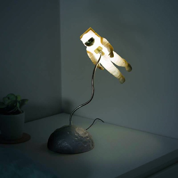 Astronaut Light – a night light for the space obsessed