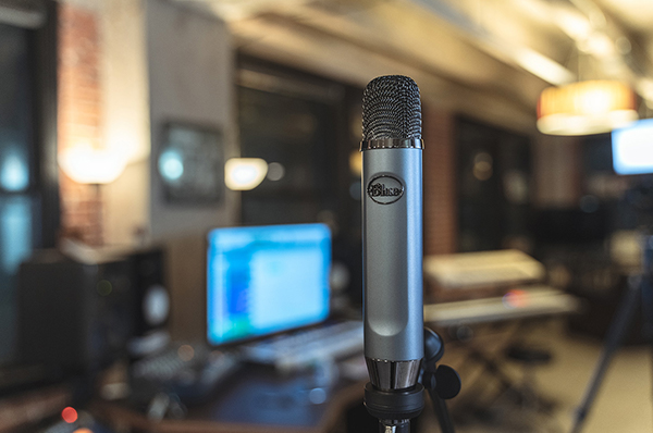 Blue Ember – The Best Cheap XLR Microphone in 2019