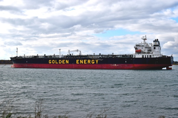 What To Do With Oil Tankers – new plans seek to turn them into power generators