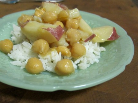 Recipe: Seasoned Chickpeas and Potatoes with Coconut Rice | Red-Handled Scissors