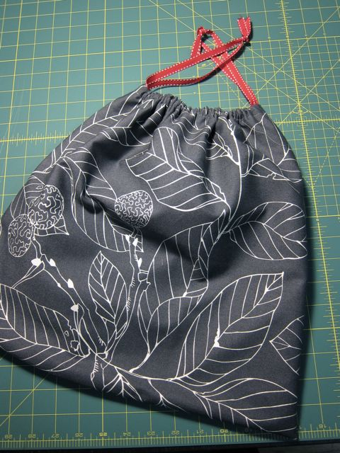 Tutorial: Oversized Knitting/Crochet Project Bag | Red-Handled Scissors