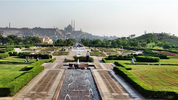 Al Azhar Park di Kairo, di Kejauhan Nampak Masjid Mohamed Ali Pasha