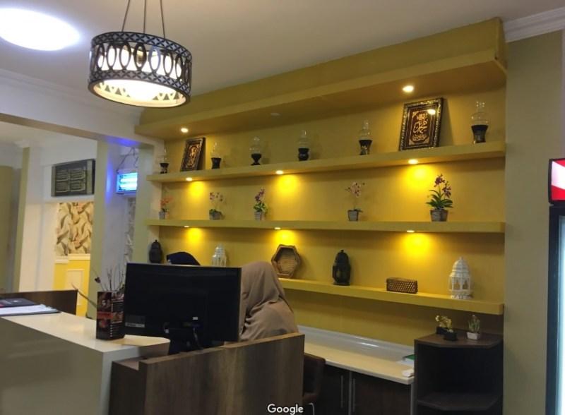 Meja kasir dan resepsionis Restoran Bangkok