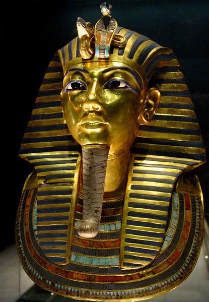 Patung emas Firaun Tuthankhamun di Egyptian Museum
