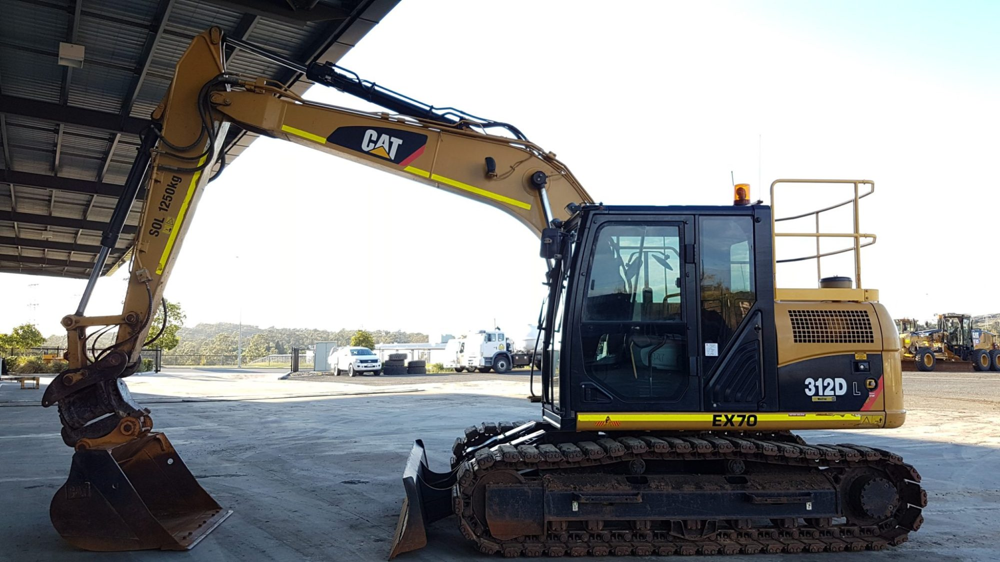 hight resolution of caterpillar 312d excavator for hire