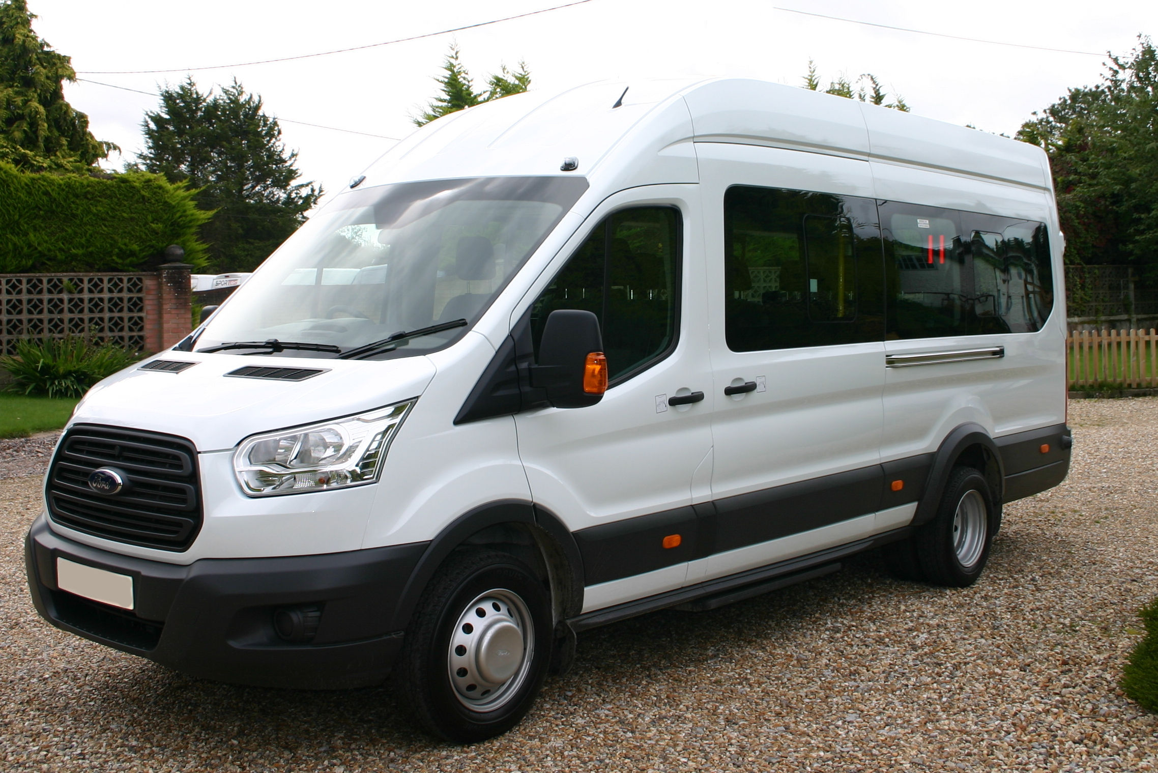 Ford transit 17 seat minibus fx2063 red kite vehicle consultants