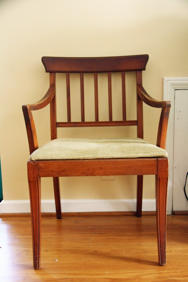Wooden Chair Makeover: Before | redleafstyle.com