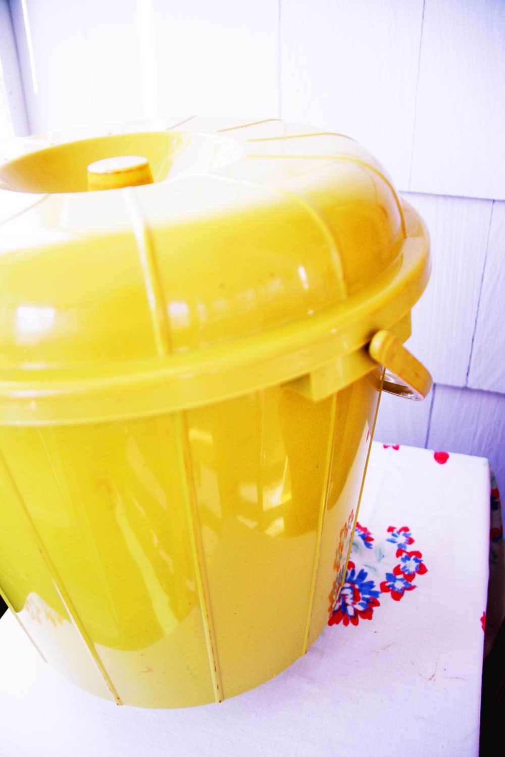 Yellow compost bin | redleafstyle.com