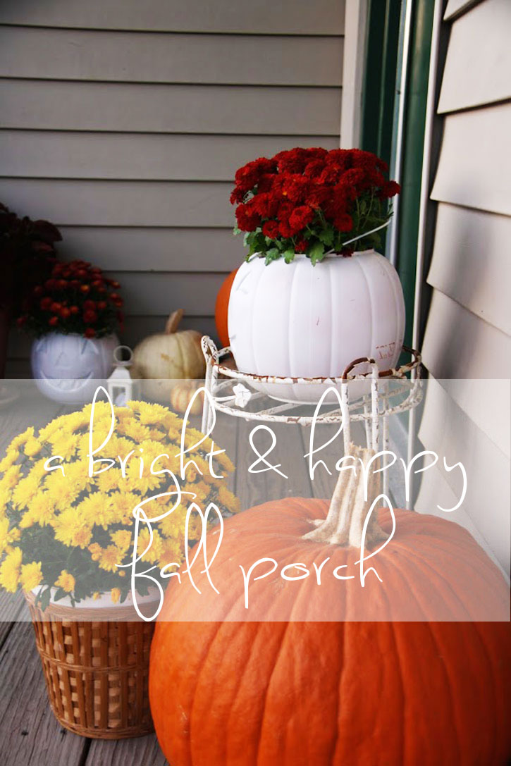 A Bright & Happy Fall Front Porch | redleafstyle.com