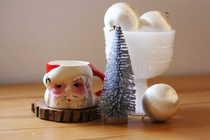 How to Decide When to Decorate for Christmas Without Stressing | redleafstyle.com