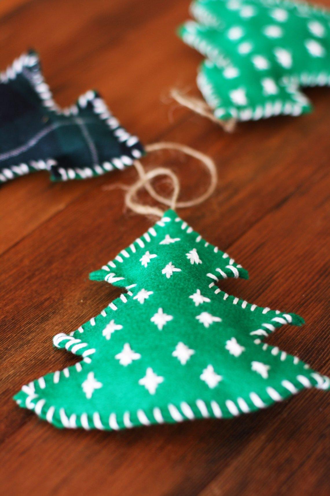 How to Make an Easy Felt Christmas Tree Ornament