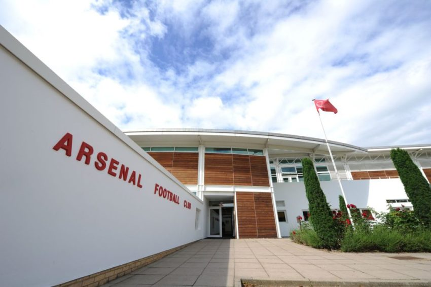 arsenal-transfer-entrance