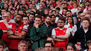 'Please sell him in January if you can!': Some fans want Arsenal star gone after Leicester show