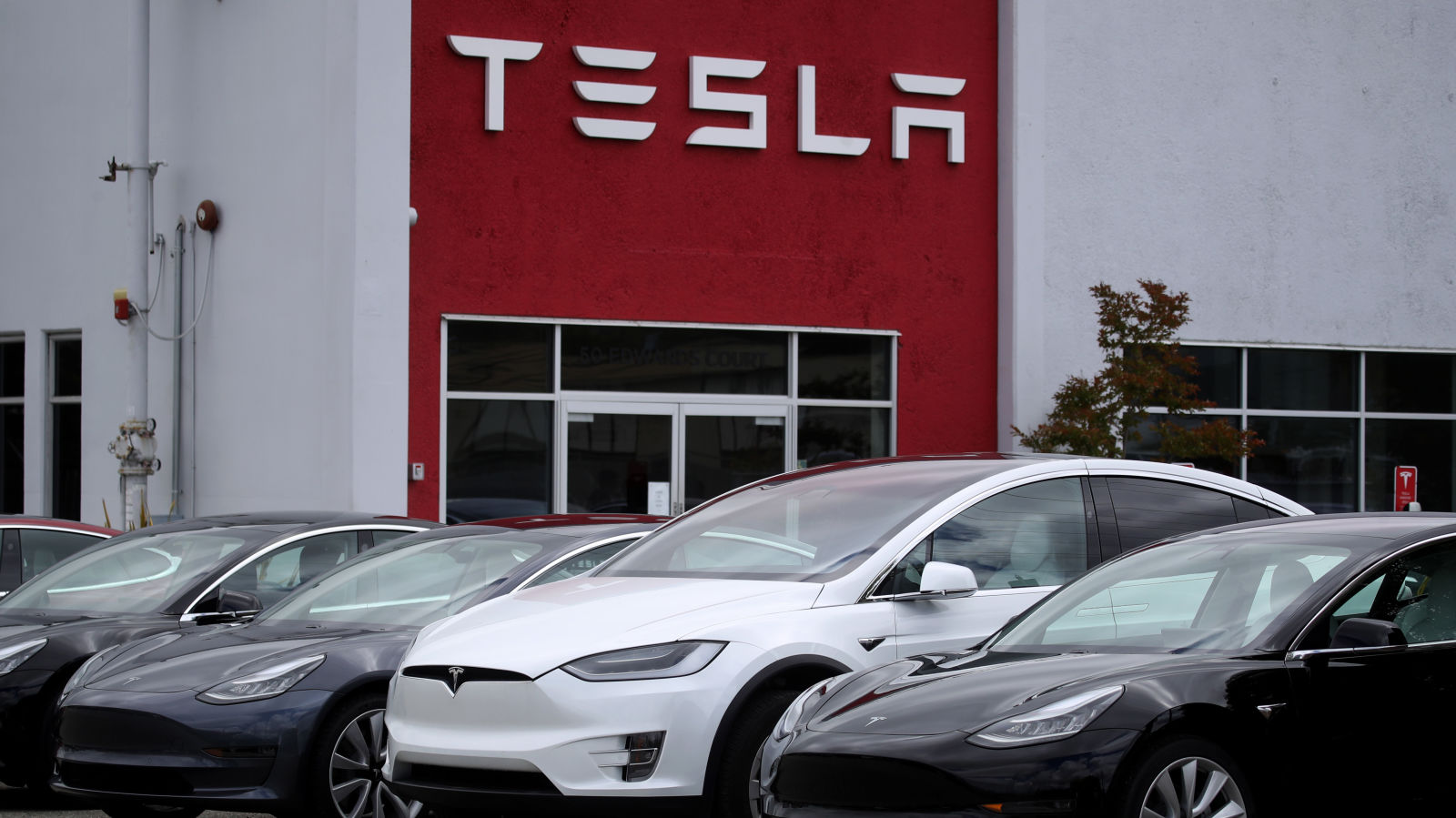 Tesla wins case against former employee accused of hacking, transferring data