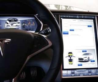 Dutch Government Decrypts Tesla Autopilot Data