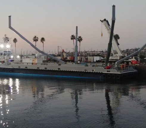 """SpaceX Completes Retrofit for Recovery Ships """"Bob"""" and """"Doug"""""""
