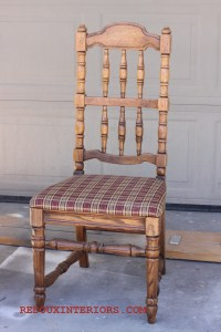 L' ugly chairs, comment contest and a Sign Giveaway!