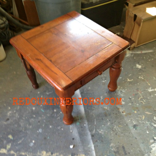 Coffee table three legs redouxinteriors