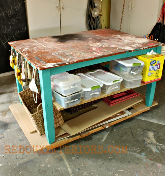 Work table organization with shelves Redouxinteriors