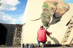 alt mural elefante