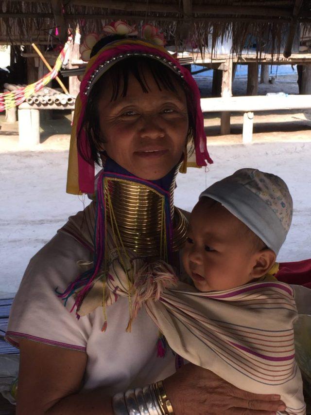 chiang-rai-karen-long-neck-woman