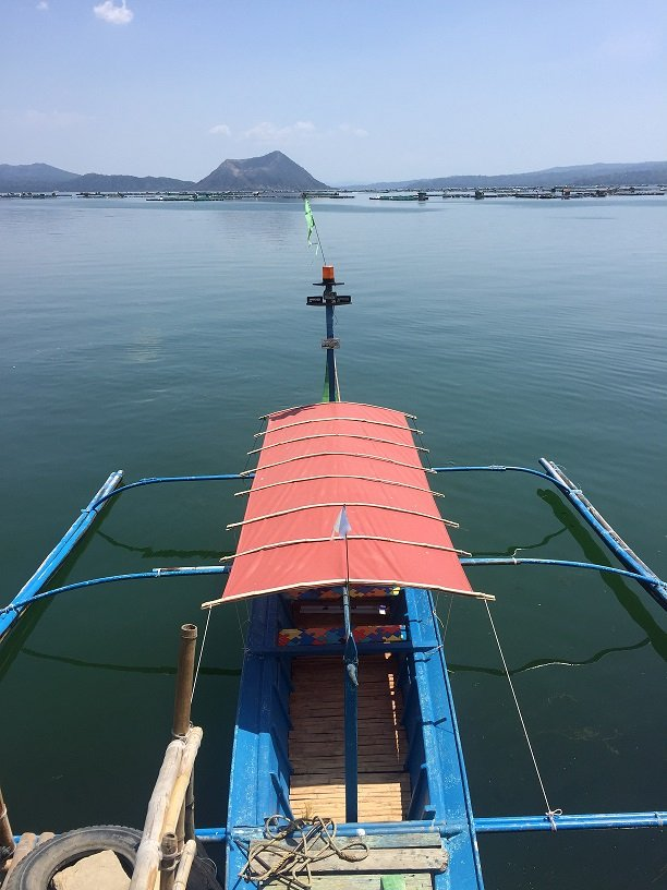 taal-lake-boat-taal-volcano-tagaytay