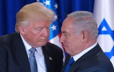 Trump and Netanyahu in love pose