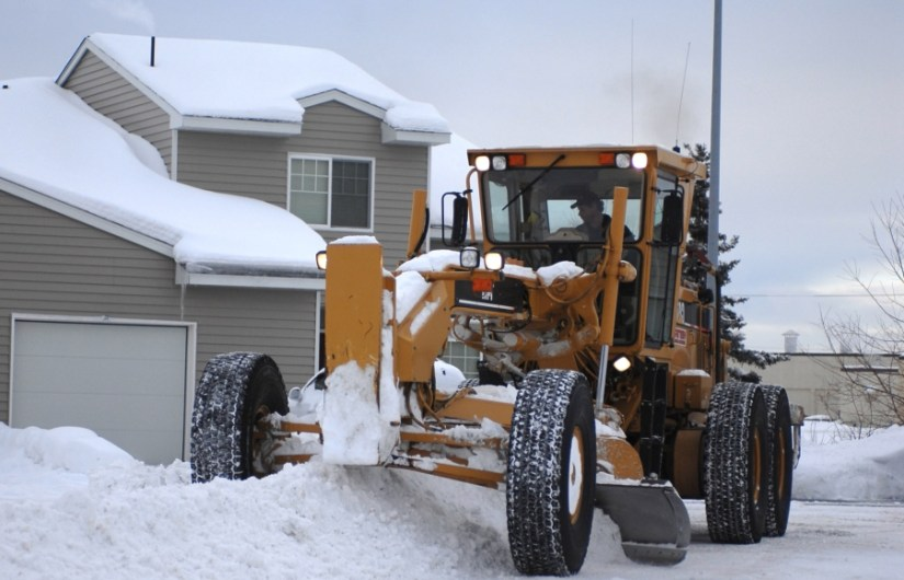 Snow Removal – Professional Services VS. DIY Techniques
