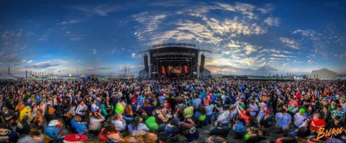 Photo Credit: http://www.mavrck.co/4-marketing-takeaways-from-music-festivals/